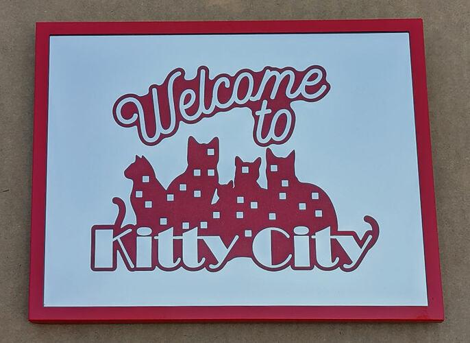 red_Kitty_City_mirror-01